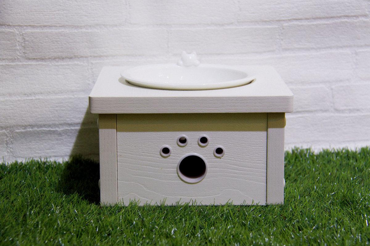 白浮雕木制貓餐桌 (單碗)