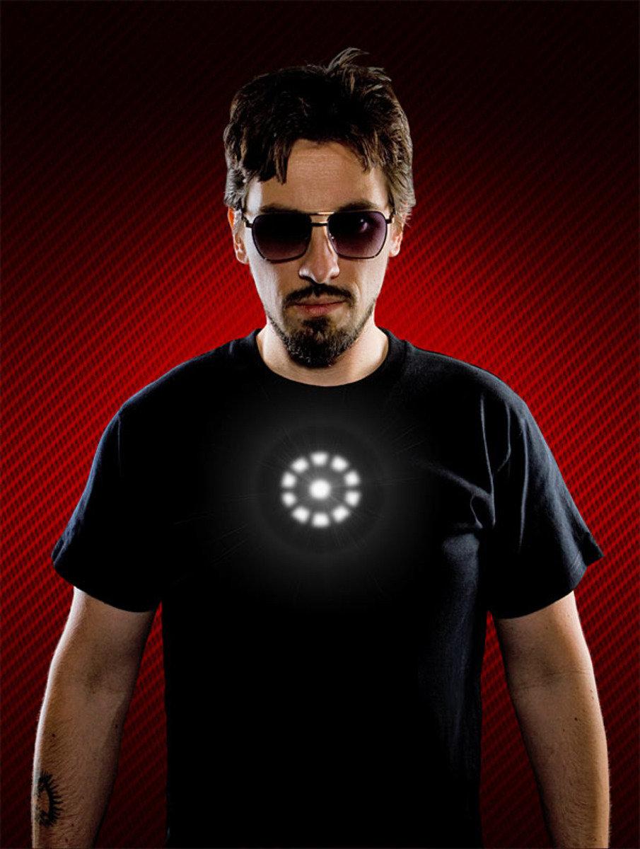 Thinkgeek 鐵甲奇俠 Tony Stark LED 發光T Shirt