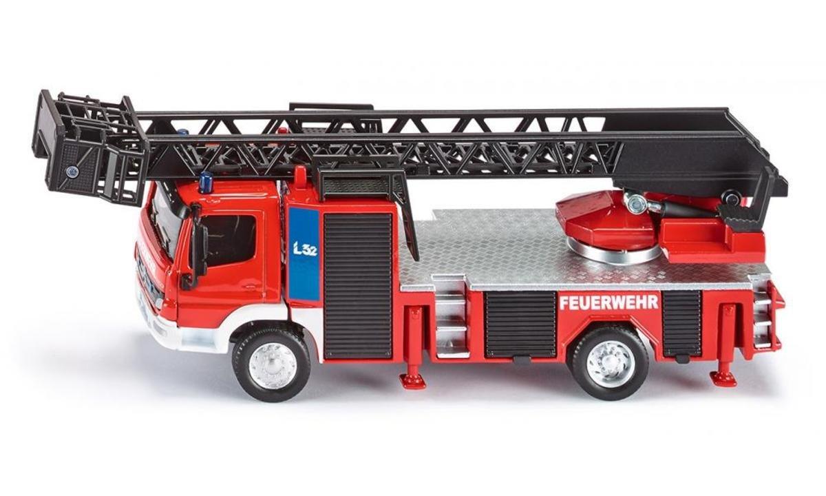 2106 1:50 雲梯消防車