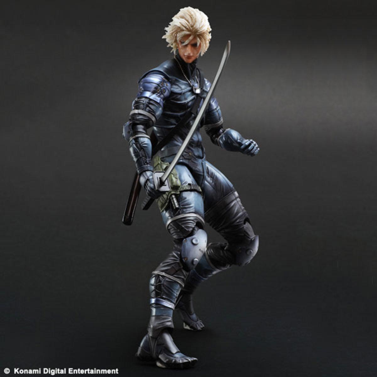 Play Arts改  Metal Gear Solid 潛龍諜影2 - 雷電