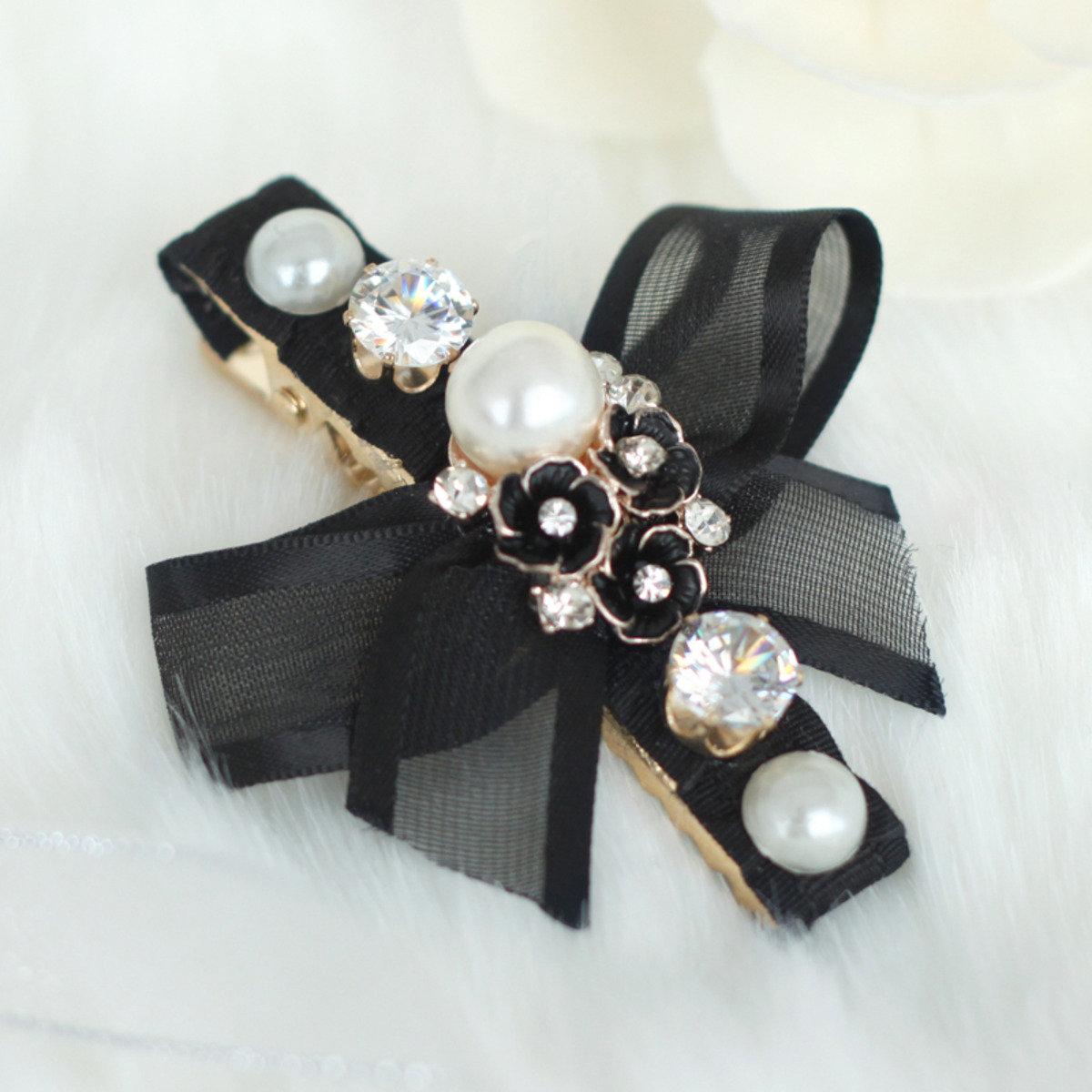 高雅珍珠花飾髮夾