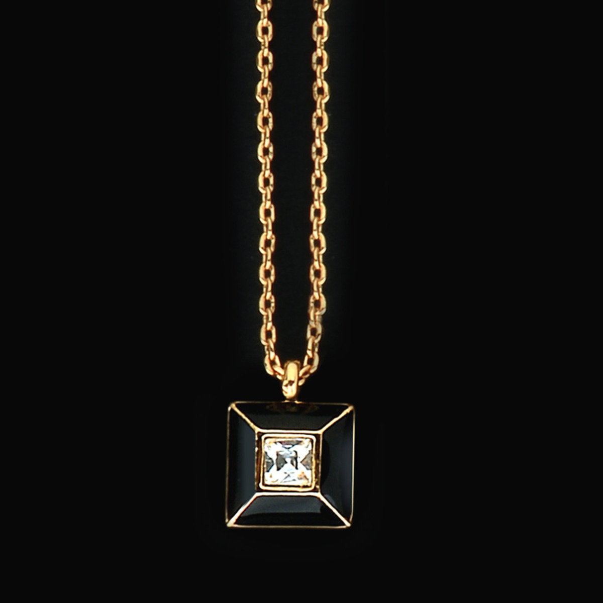 Pyramide necklace