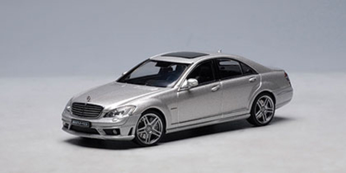 1/43 Mercedes-Benz S63 AMG (Silver)