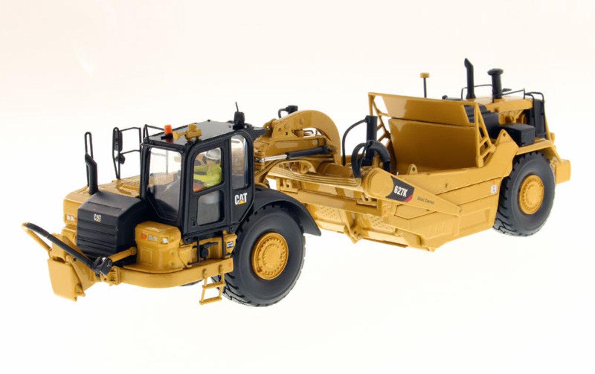 1:50 627K Wheel Tractor-Scraper
