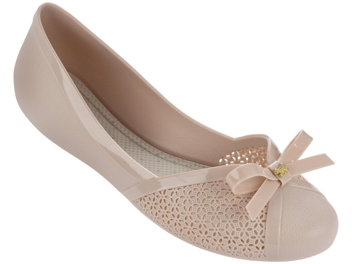 蝴蝶結通花圓頭平底鞋 - 米色