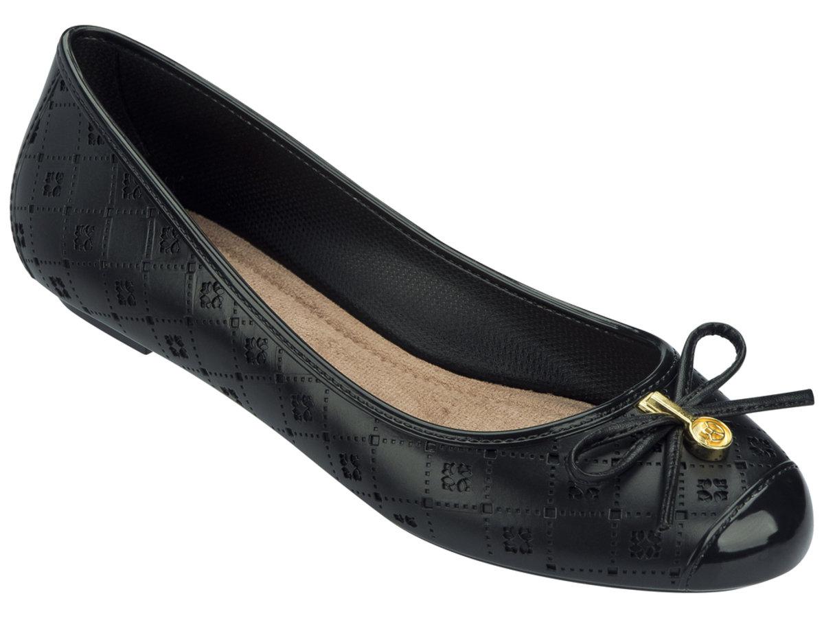 壓紋仿皮圖案平底鞋 - 黑色