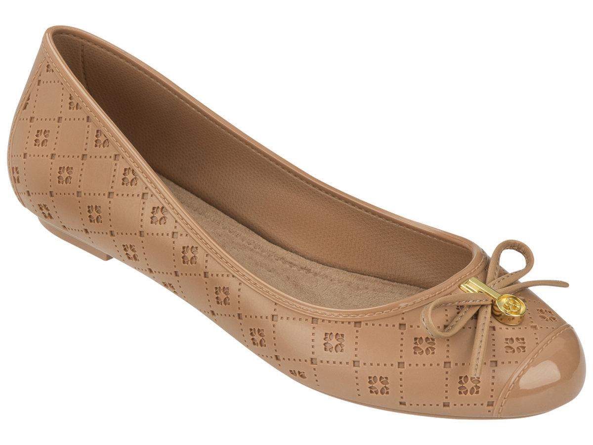 壓紋仿皮圖案平底鞋 - 淺棕色