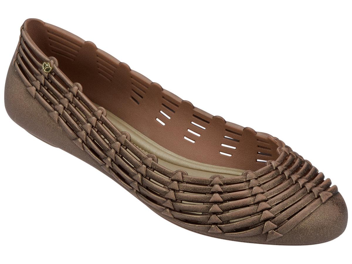 純色仿織蕂設計平底鞋 - 啡色