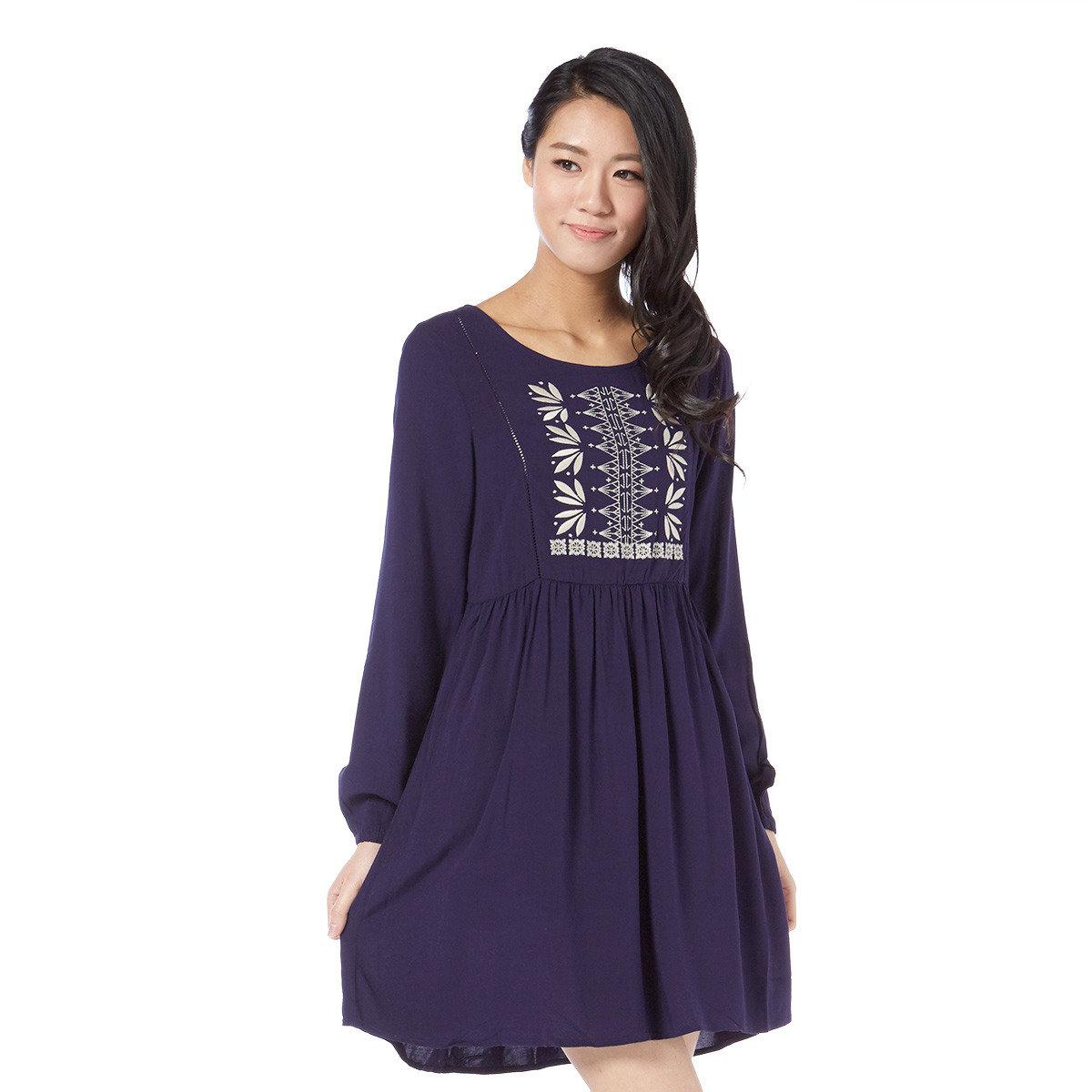 簡約民族刺繡連衣裙
