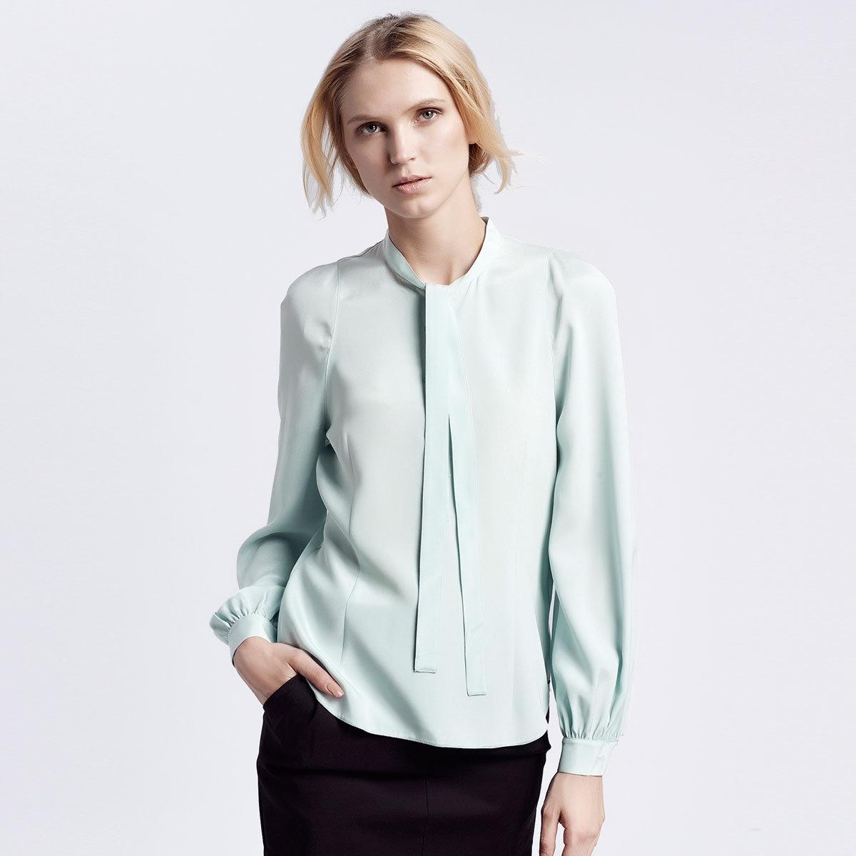 粉藍色桑蠶絲襯衫