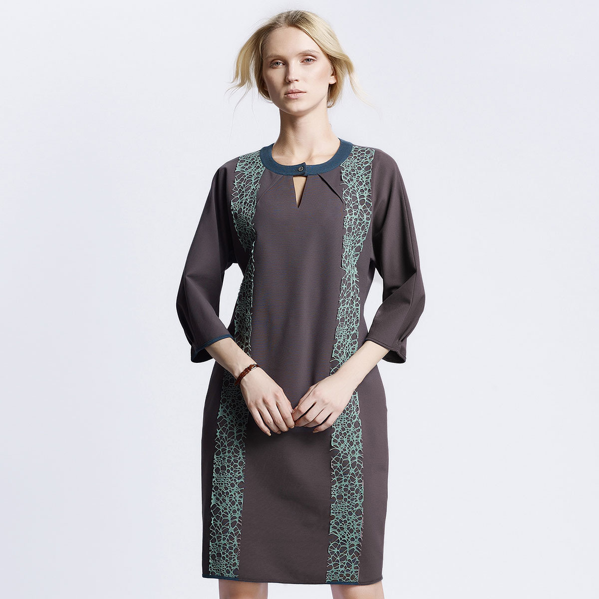 灰色休閒連身裙