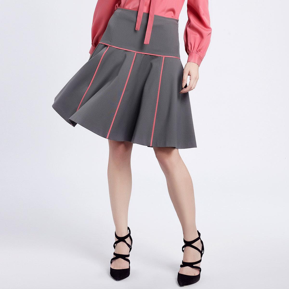 灰色簡潔半截裙