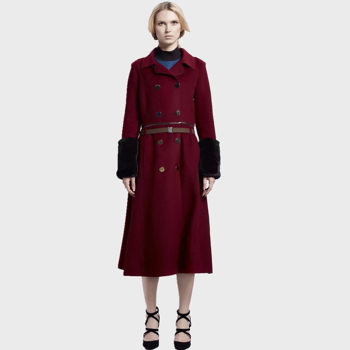 時尚紅色外套