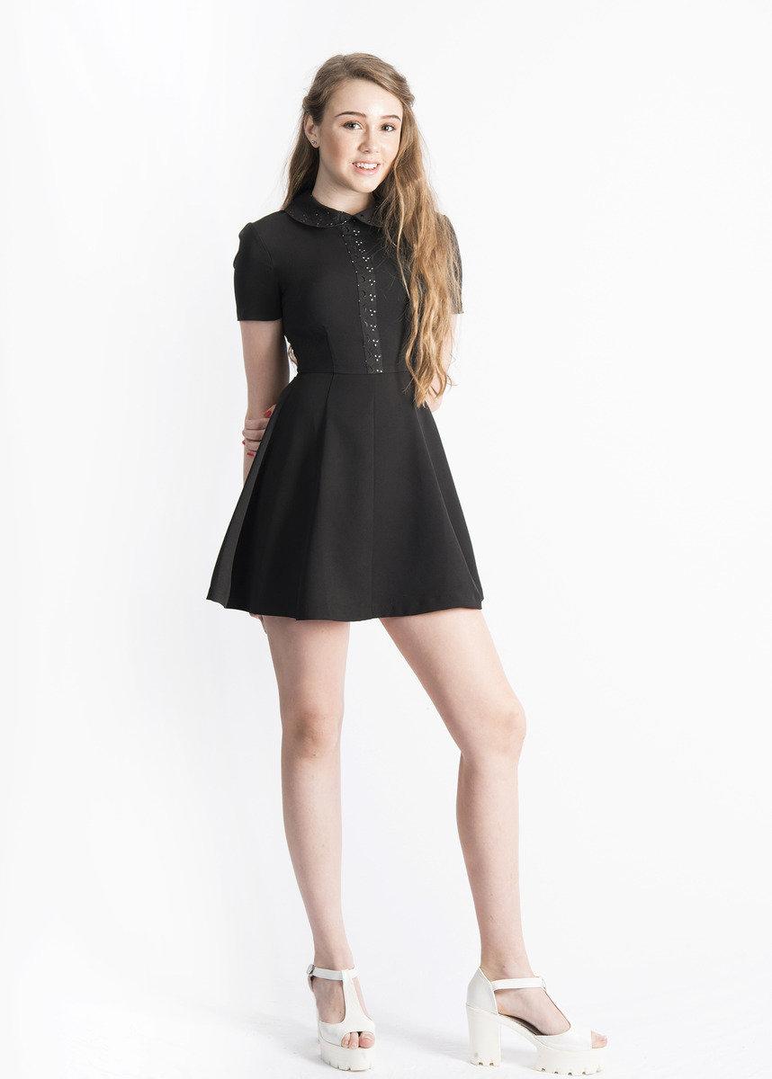 短袖小圓領連身裙