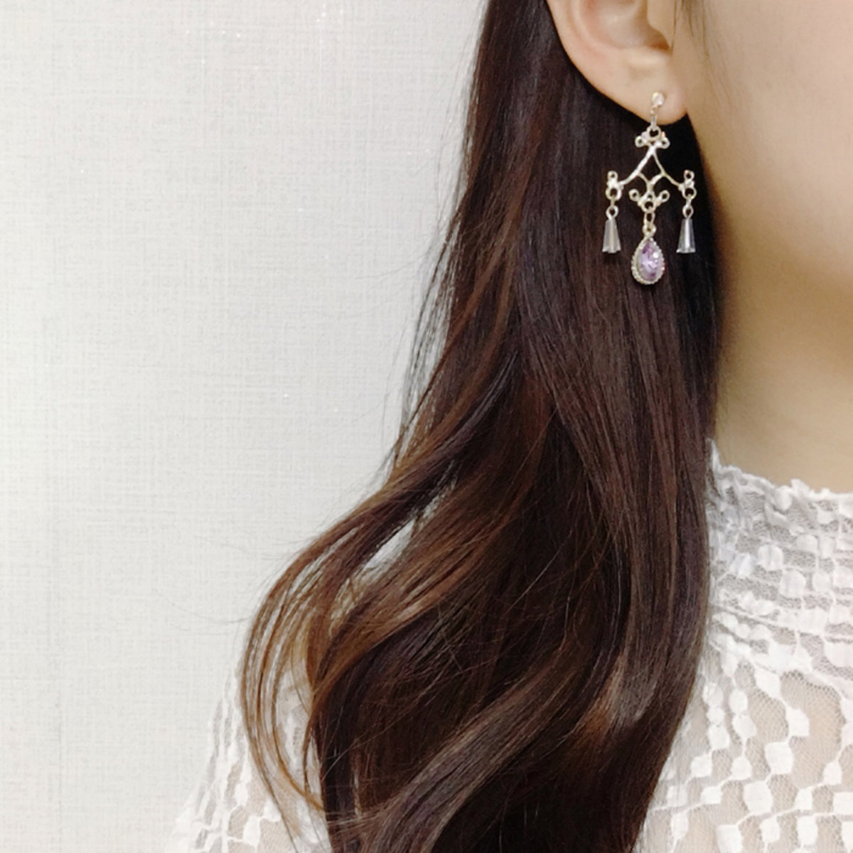 Seoul ladies blingmoon ellen chandelier earrings hktvmall online blingmoon ellen chandelier earrings arubaitofo Image collections
