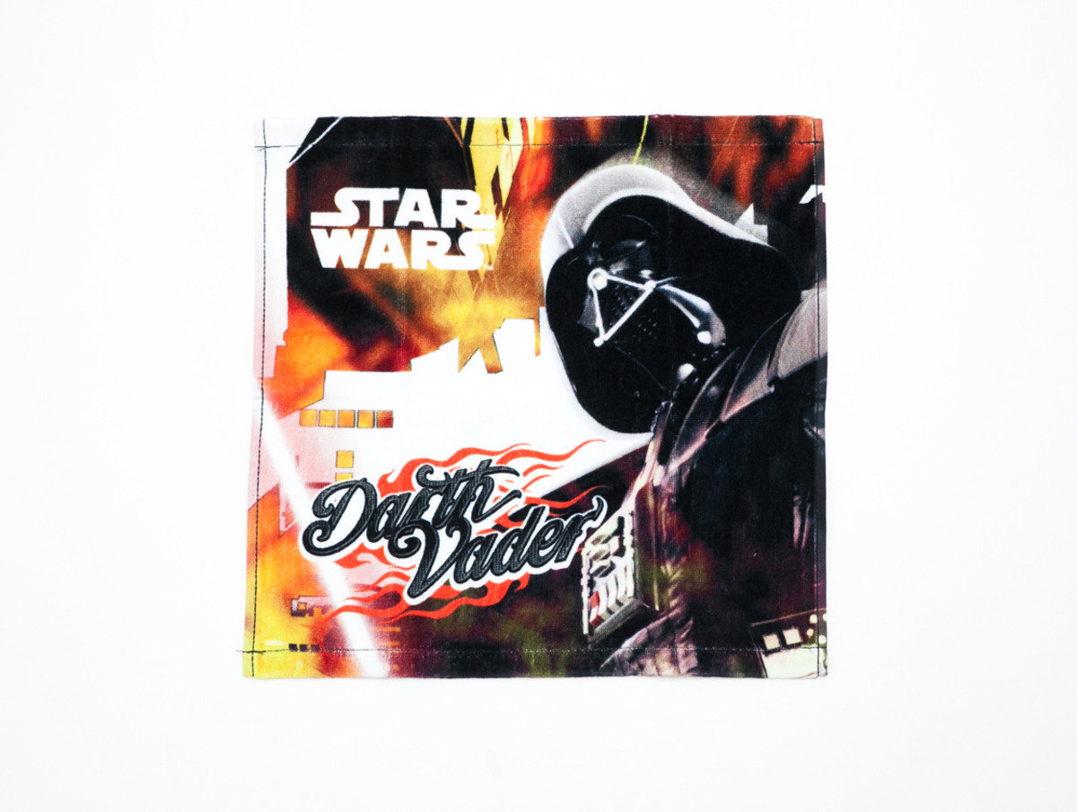Star War 系列小方巾 (34 x 35cm) - 黑武士