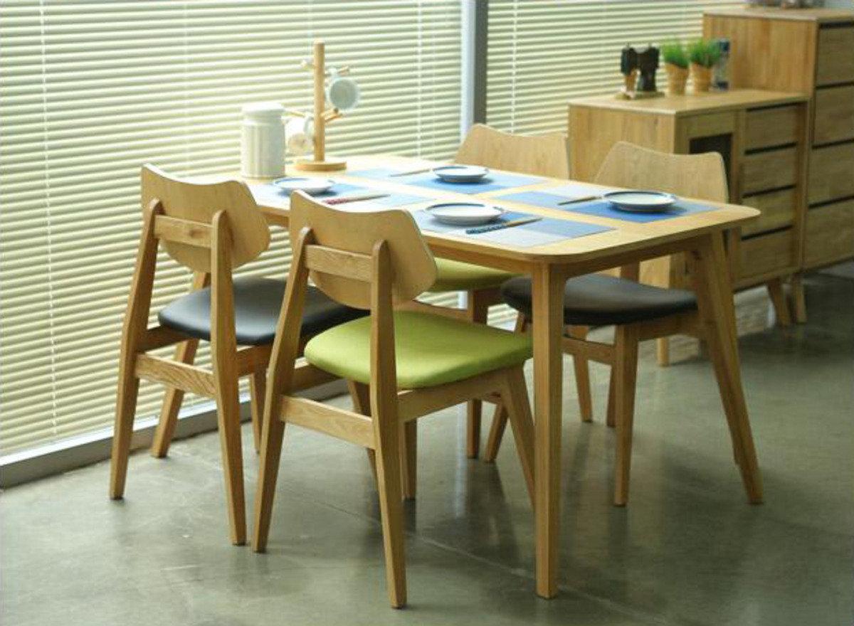 木製餐桌連4餐椅