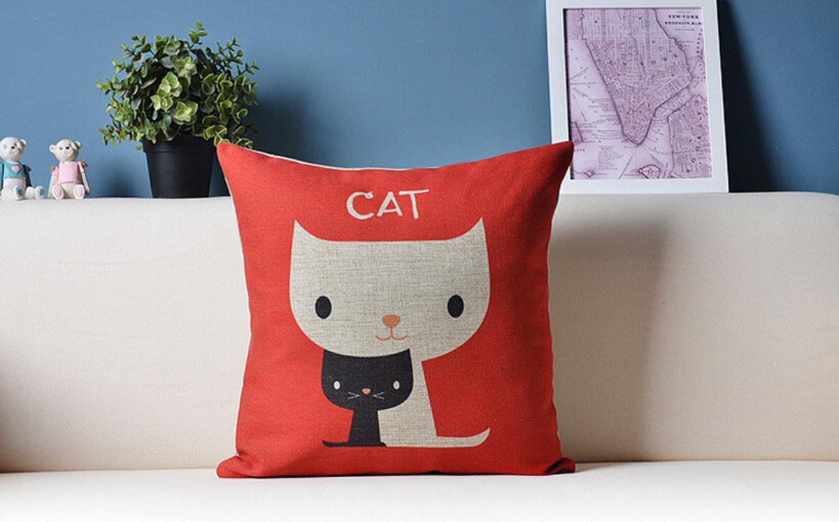 可愛貓咪卡通抱枕 - B款(黑白貓咪)