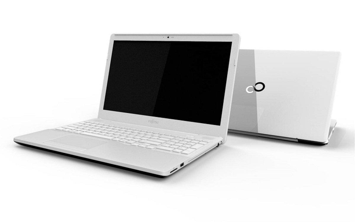 Fujitsu Lifebook AH556K01W