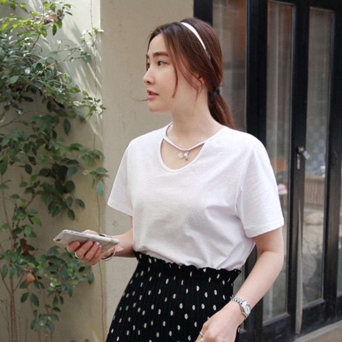 配頸飾設計短袖T恤_P000CDJV