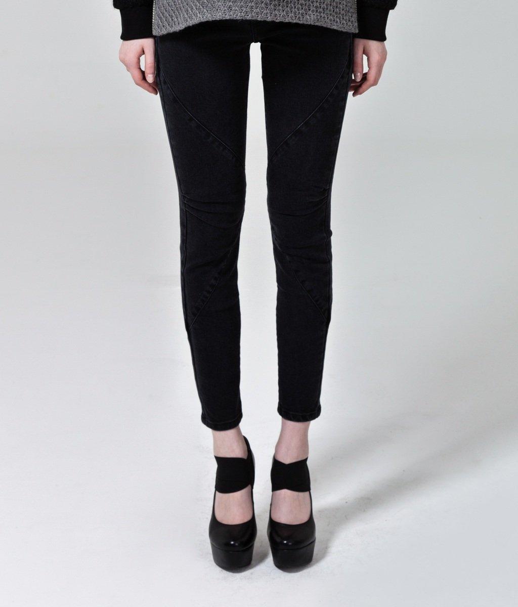 黑色鈄紋修身牛仔褲