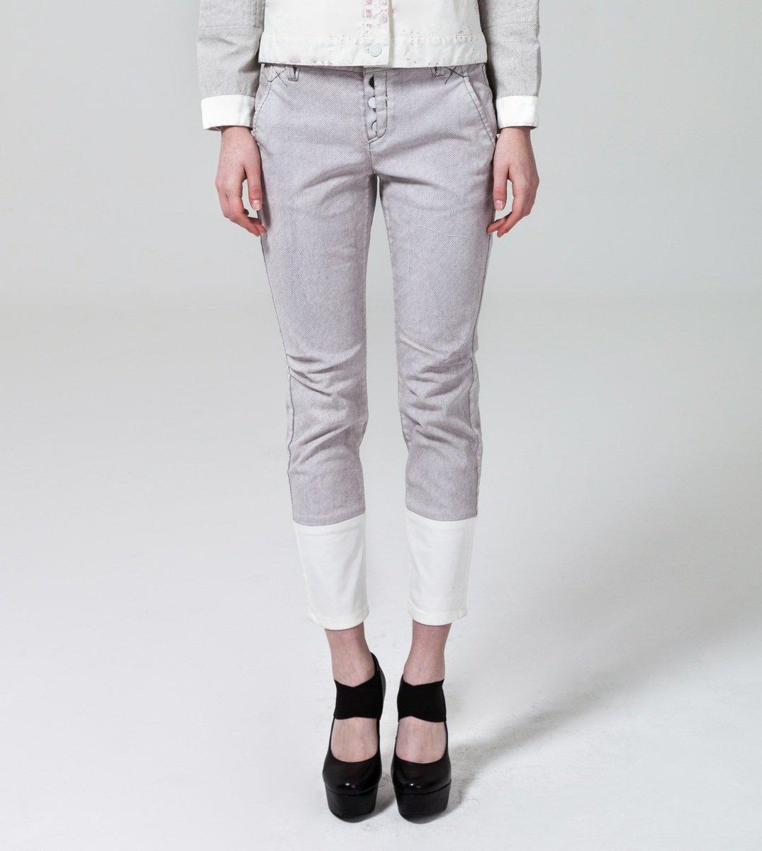 灰色拼布牛仔褲