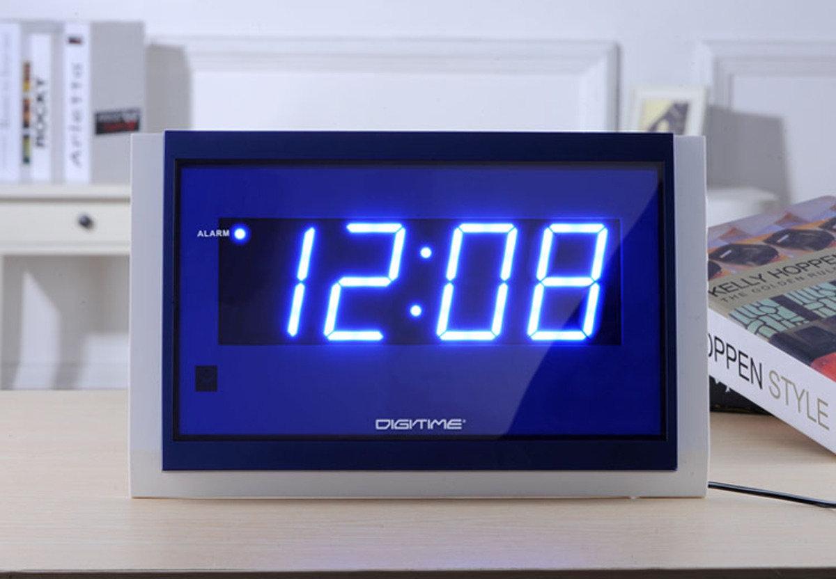 LED 大字體掛牆鬧鐘 時尚 創意 生活 品味 禮品 電子 學生 兒童 長者 老人 靜音 家居 床頭 夜光 藍燈 貪睡 時鐘