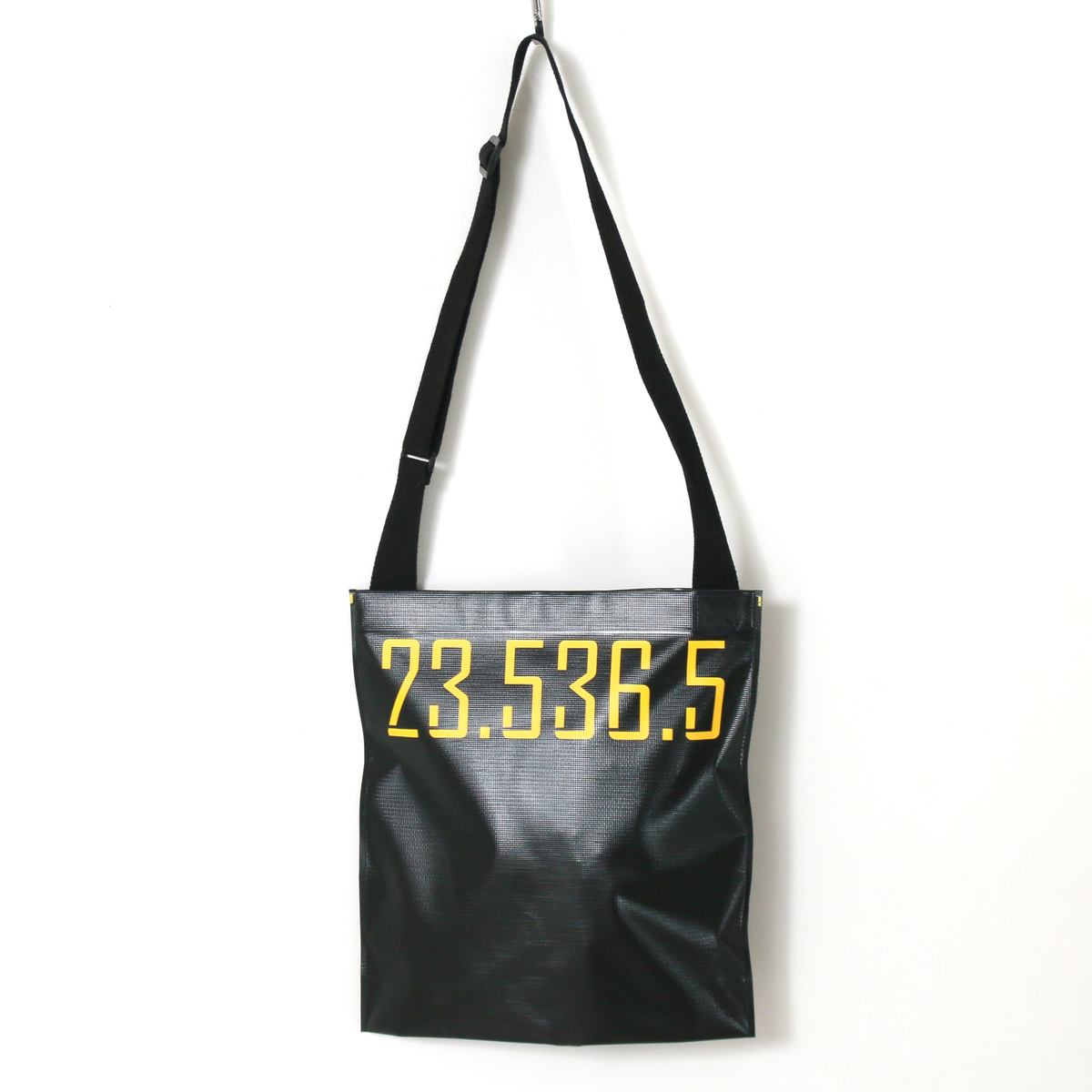 UNITARPER SHOULDER BAG - BLACK