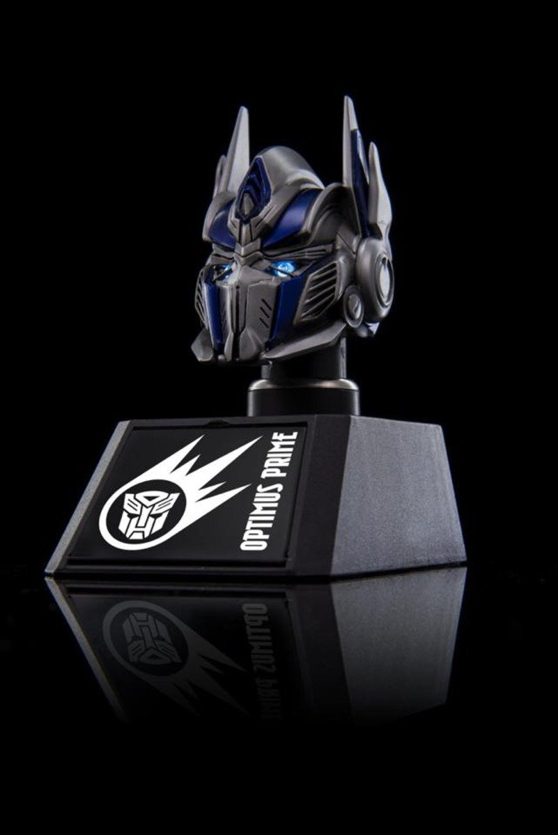 Optimus Collectible Bust Car mounted charger