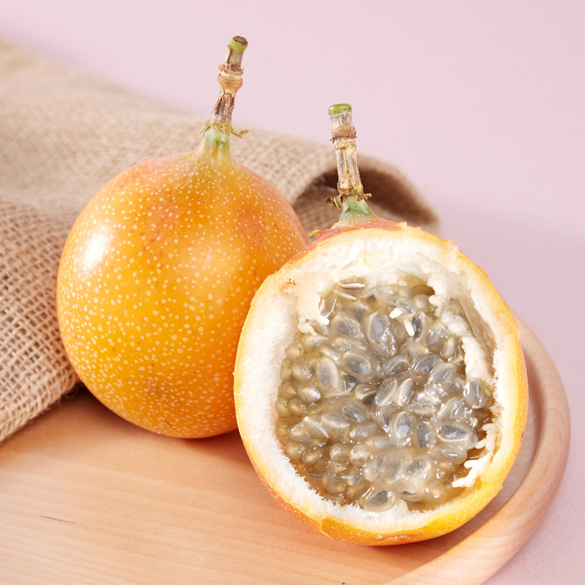 Colombian Granadilla By Air (3pcs/ 300-350 g approx.)