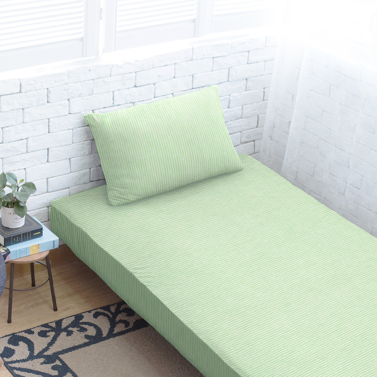 100% Cotton Fitted Sheet + Pillowcase - Apple Green