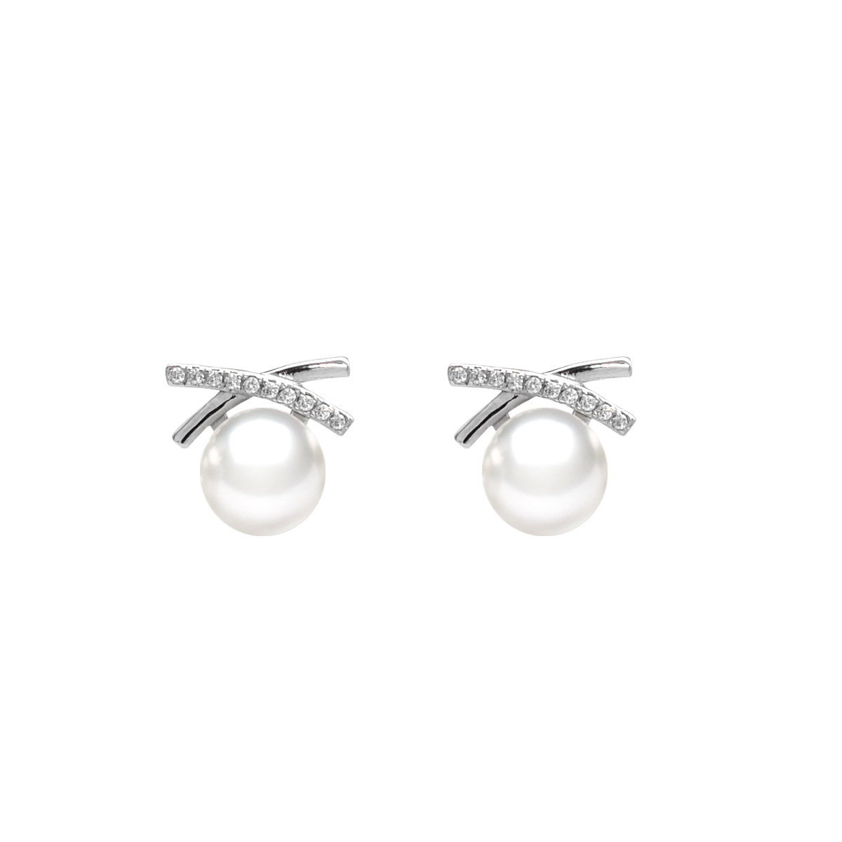 Cultured Fresh water Pearl with 925 silver mounted with cz Earring