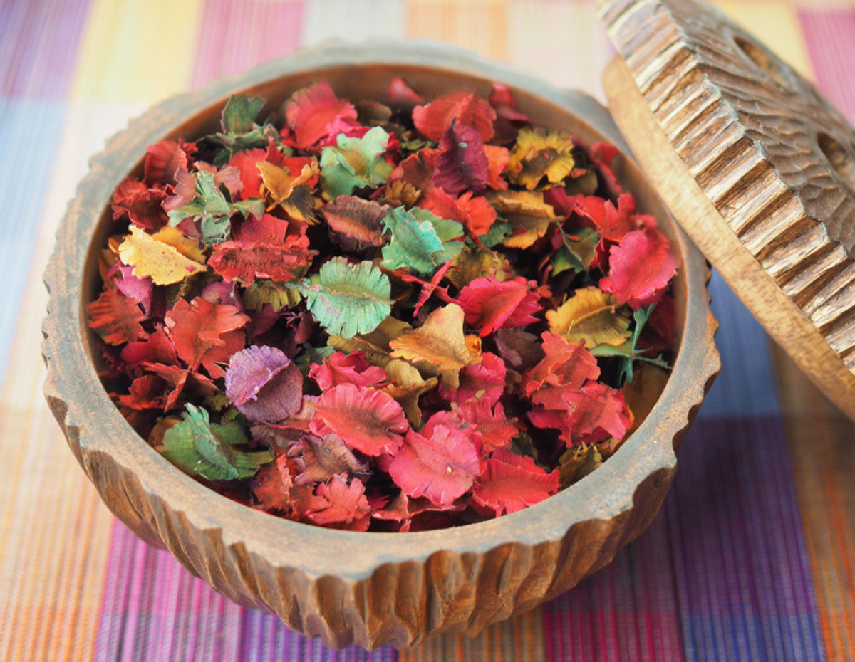 Thai Scented Dried Flowers (Cirnum Lily)