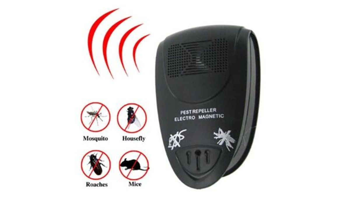 Ultrasonic Pest Repeller (Black)