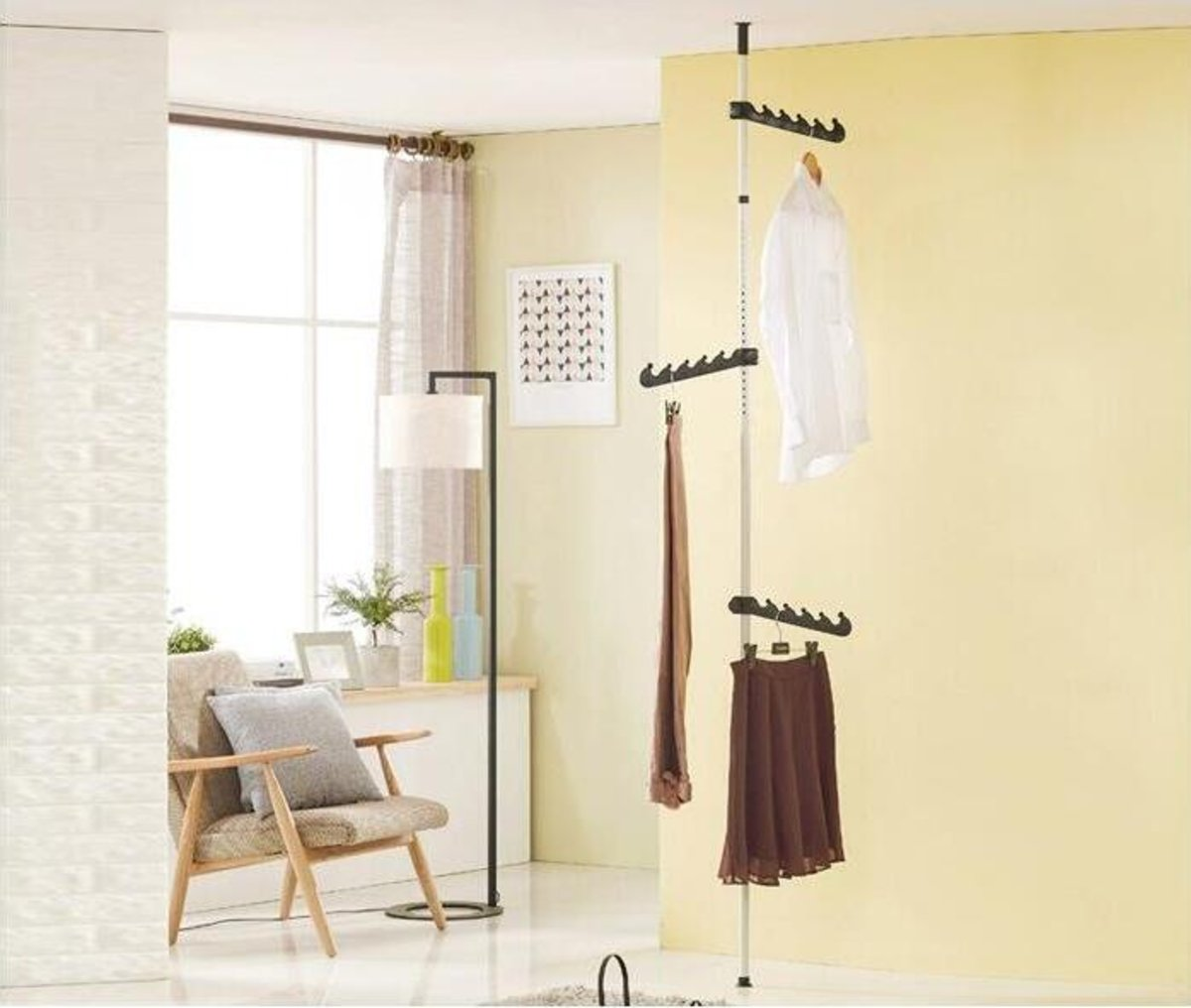 Floor-to-Ceiling Drying Hanger (single-pole rack)