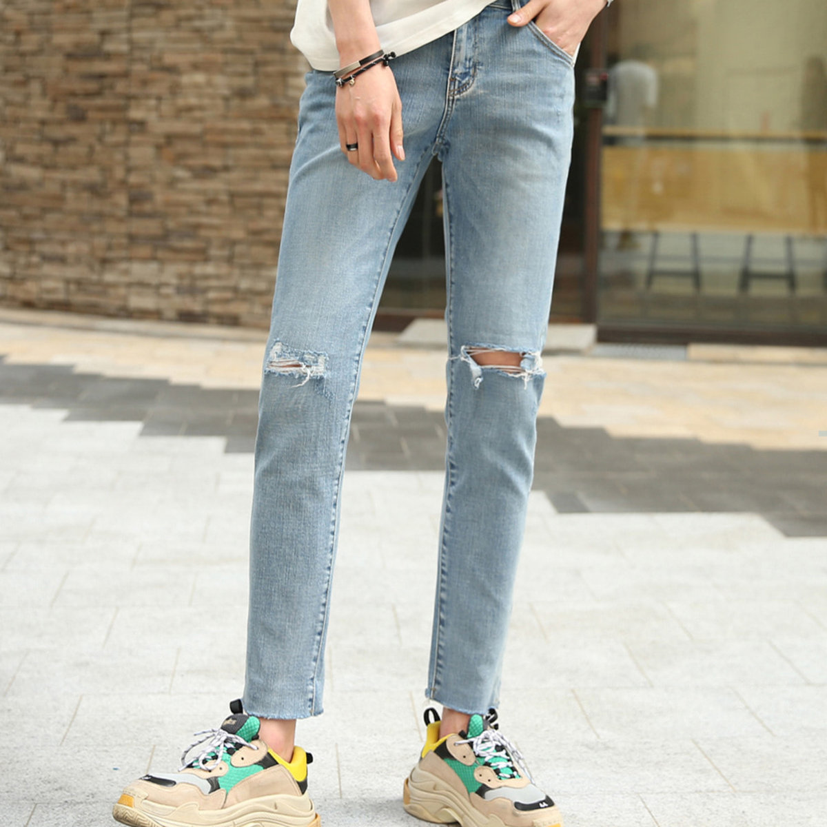 [CE1909]Relief Open Cut Jeans