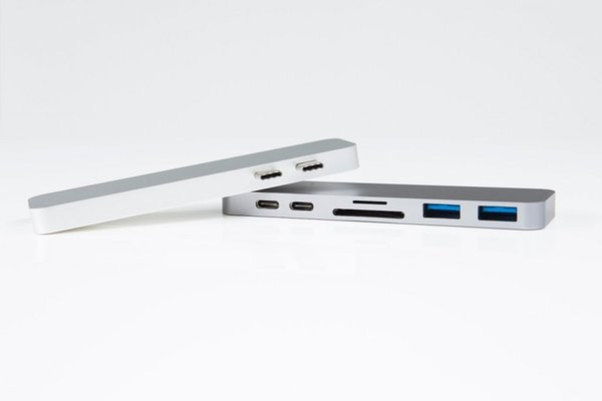 THUNDERBOLT 3 USB-C HUB for MACBOOK PRO -SPACE GREY