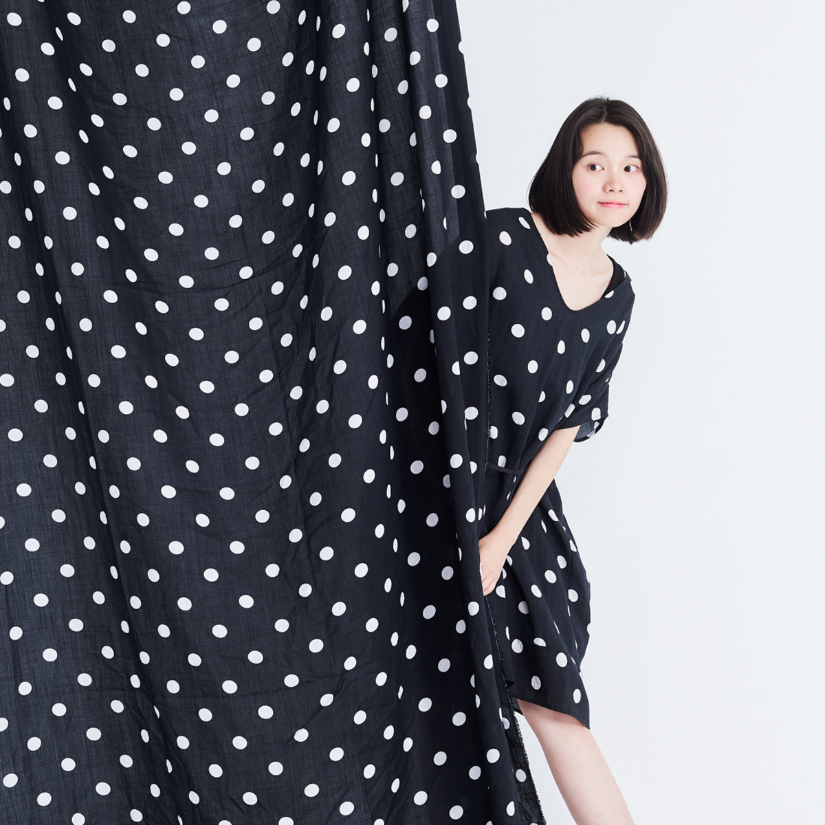 Bubble V neck Adjustable drawstring Relaxed fit dress Black with white dots